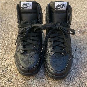 Nike heel shoes